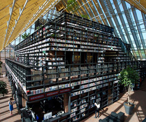 10 of the World's Most Amazing Book Stores