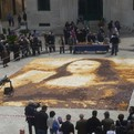 10,080 Pieces Of Toast Make Mona Lisa Portrait