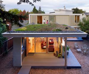 2 Bar House by Feldman Architecture