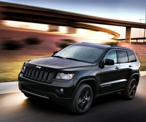2013 Jeep Grand Cherokee Stealth Edition