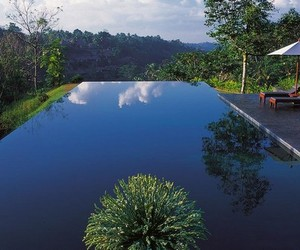 30 Spectacular Infinity Pools