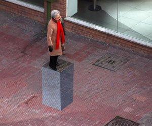 3D urban pedestal street art
