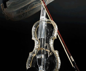 4 Instruments made of glass