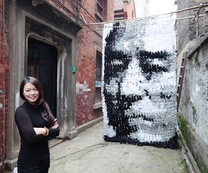 750 Pairs Of Socks Make A Portrait