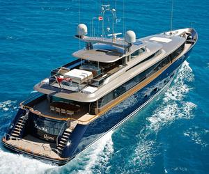 A Bahamas Beach House–Style Yacht