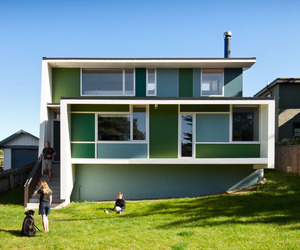 A Bold Holiday Bach in NZ | Parsonson Architects