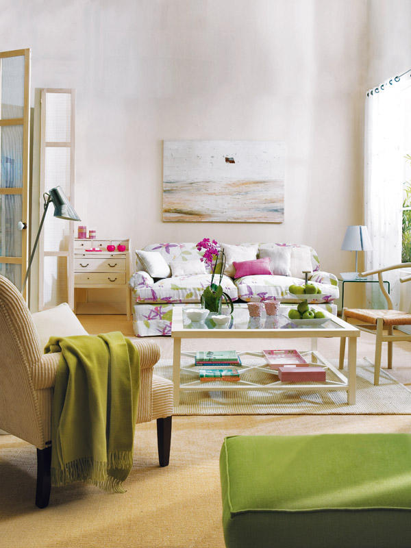 A green and purple living room d cor - Purple and green living room decor ...