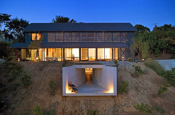 A japanese barn house for Barnhouse builders