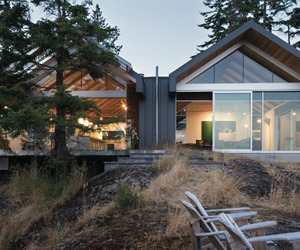 A magnificent dwelling on Bowen Island