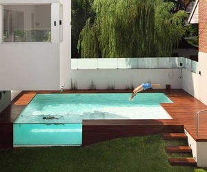 A modern home with an incredible pool: Casa Devoto