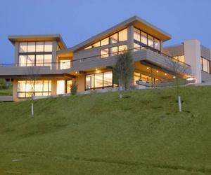 A Modern House in Montauk: 57 Startop Drive