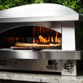 A Pizza Oven for the Outdoor Gourmet
