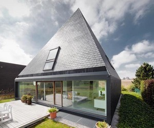A Pyramid-inspired Shelter in Brussels
