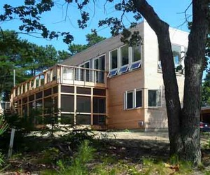 Peconic Bay House: Sustainable Design by Resolution 4
