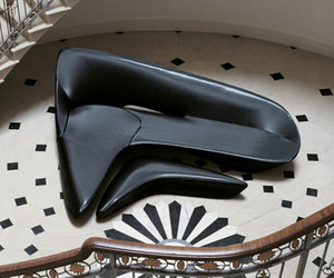 Aesthetics Ergonomics System-Moon Chair by Zaha Hadid