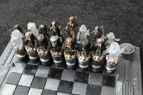 Alien Vs Predator Chess Set
