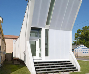 Alligator House by BuildingStudio