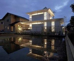 Aluminium House by Atelier Tekuto