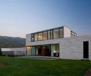 Alvarez-Marshall House by Tidy Architects