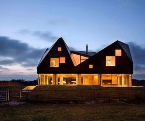 Amazing Dune House by JVA and Mole Architects