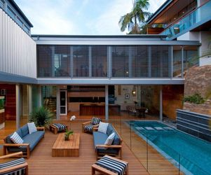 Amazing Renovation by Bruce Stafford Architects