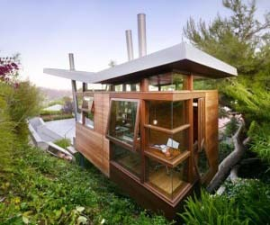Amazing Small Home Office in The Backyard