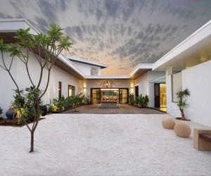 Amin's Residence by Dipen Gada & Associates