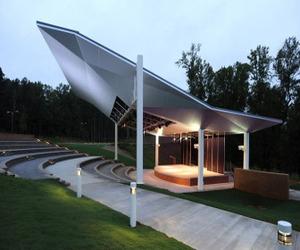 Amphitheatre canopy embraces Alcoa's Reynobond ACM