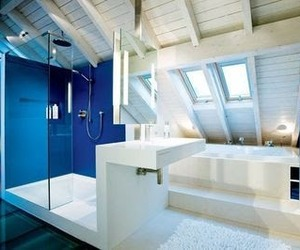 An impressive attic bathroom