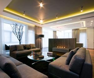 Apartment Near A Park by HOLA Design