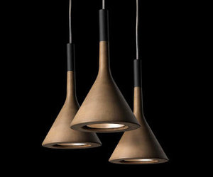 Aplomb, a funnel-shaped lamp