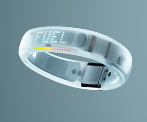 Apple Now Carrying Nike+ FuelBand