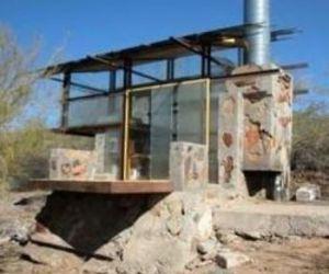 Aprentice Built Shelters At Taliesin West