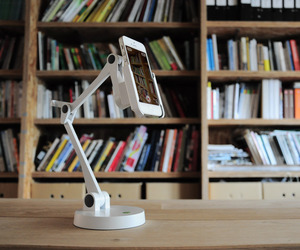 AT-ST Video Stand for iPhone 5, iPhone 4 and iPod touch