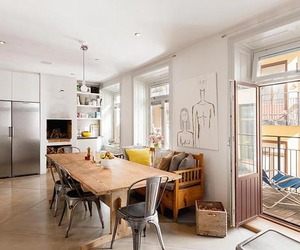 Attractive and Luminous Apartment in Östermalm