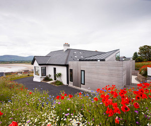 Award-Winning Casa Mullaghmore by Peter Legge Associates