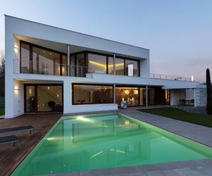 B House in Italy by Damilano Studio