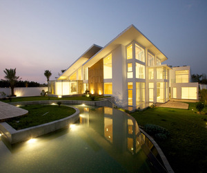 Bahrain House by MORIQ