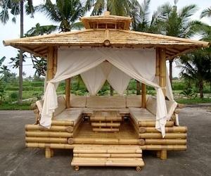 Bamboo Wood Lounge