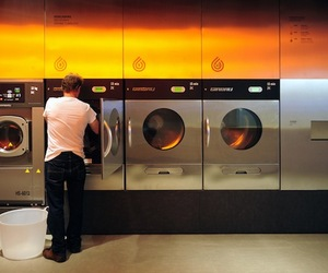 Barcelona 'Splash' Laundromat Design