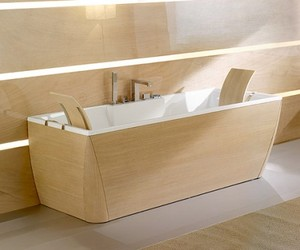 Bath Tub with Wood Finishing