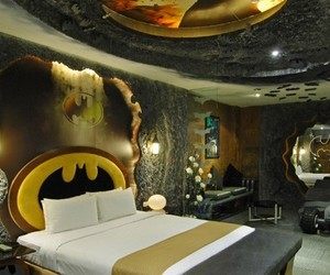 Batman Inspired Room in Eden Motel
