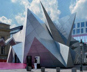 Bavarian Opera gets Coop Himmelblau-designed mobile venue