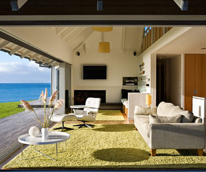 Outstanding Beach Home in New Zealand by CCC Architects