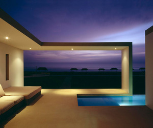 Beach House by Javier Artadi Arquitectos
