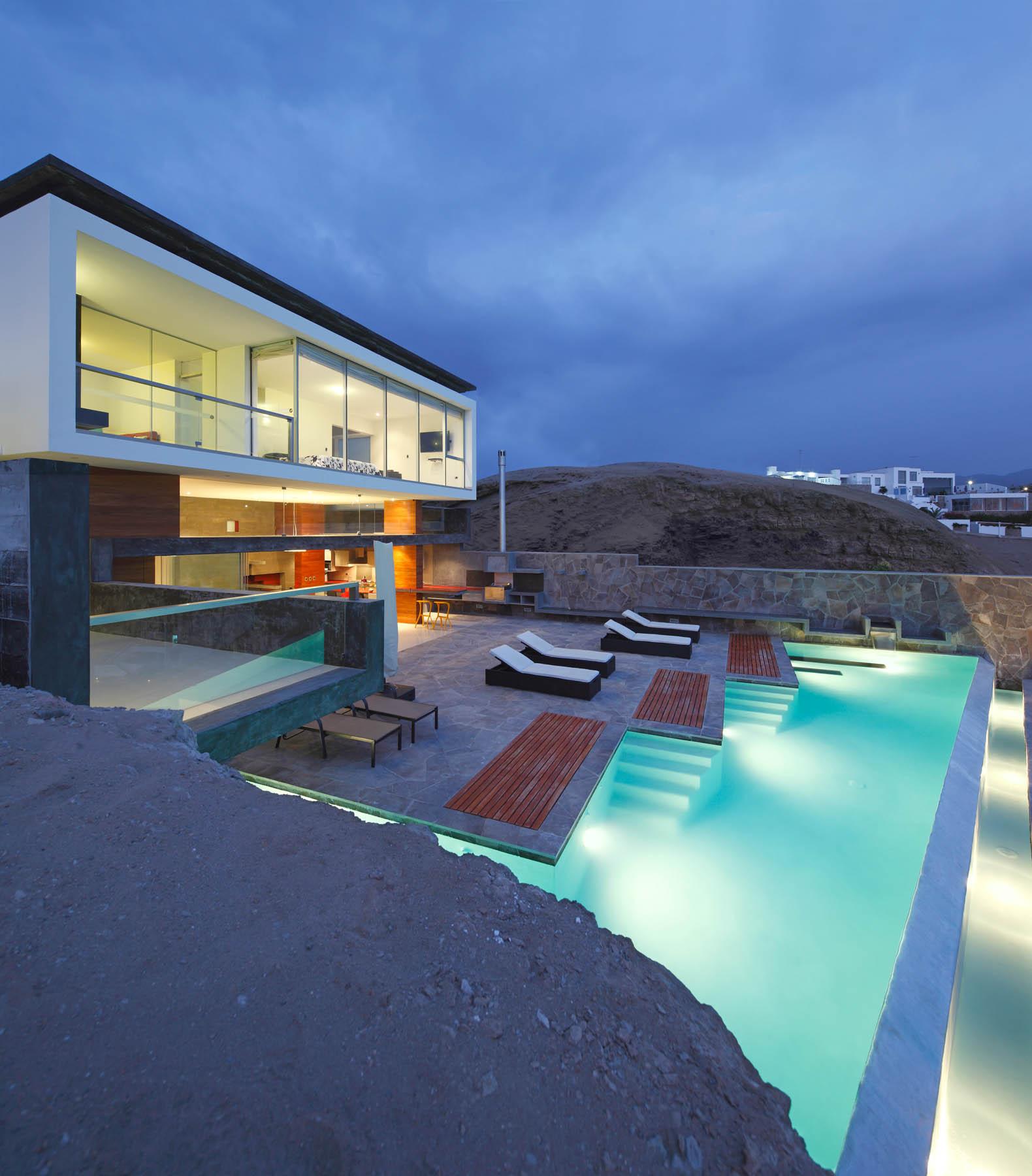 The Beach House Book: Beach House CN By Longhi Architects