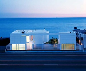 Beachfront House by Richard Meier