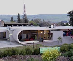 Beam House by Uri Cohen Architects