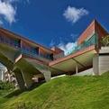 Beautiful Eco Friendly Design of Vila Castela Residence