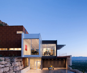 Beautiful modern home with fabulous views